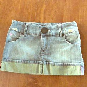 Duchesse jeans distressed denim mini skirt!